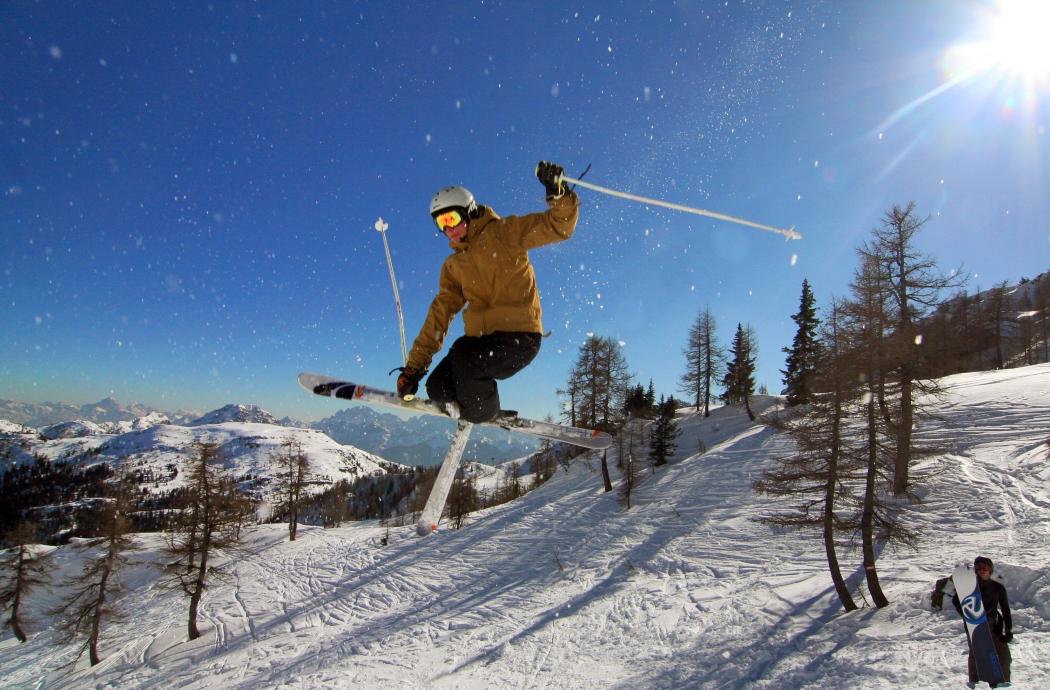 Отдых на горнолыжных курортах Австрии зимой.